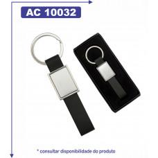 Chaveiro de metal, detalhe de couro sintético 10032