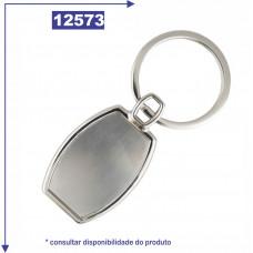 Chaveiro de metal personalizado, com detalhe na cor prata escovado nas duas faces 12573